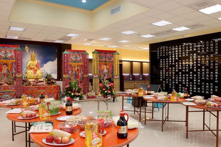 縣府5-貢飯區寬敞明亮且設計循環通風系統及家屬休息室.JPG
