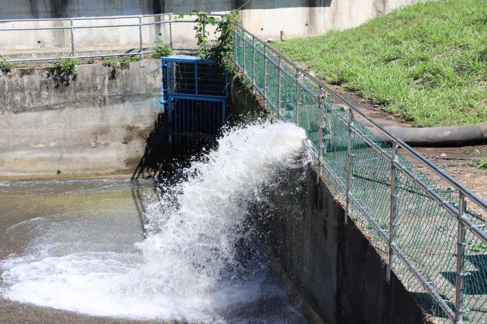 4縣府-抽取的水源排入永和山水庫進水渠道IMG_9801.JPG