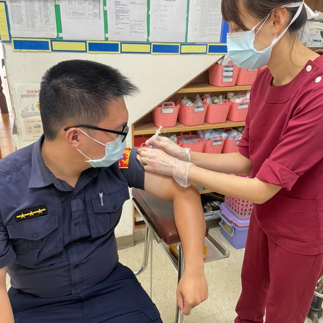 苗栗縣獲配發的疫苗高效率全數施打完畢