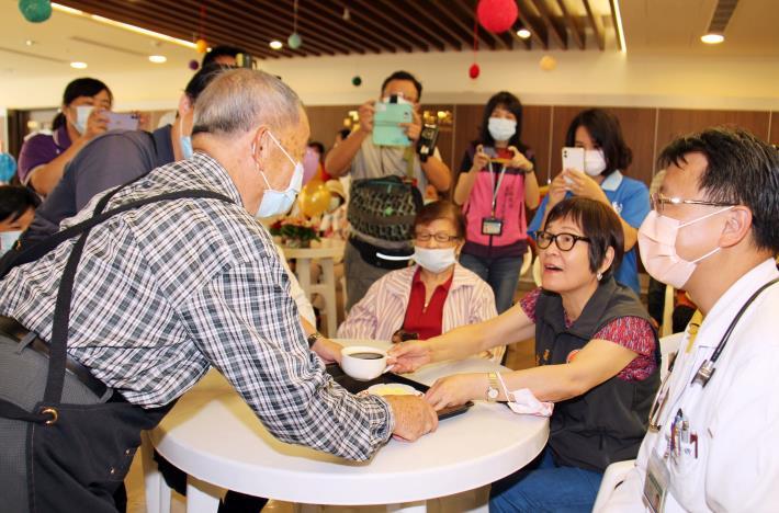 縣府與大千醫院打造「護智咖啡館」 宣導失智照護資源  IMG_0306.JPG