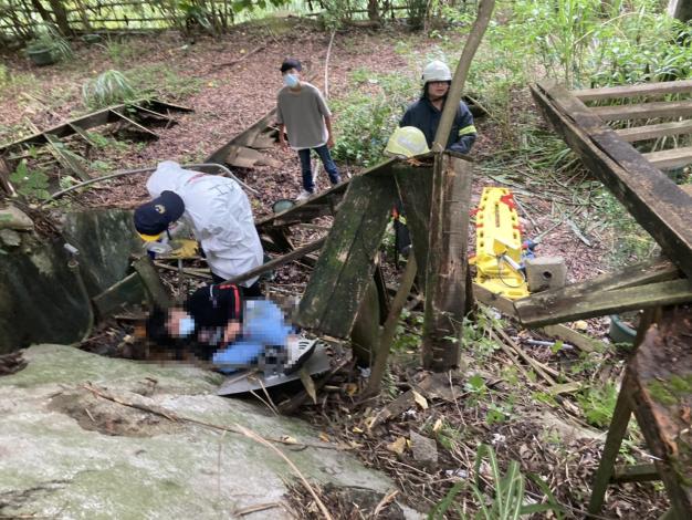 機車自摔跌落邊坡救助