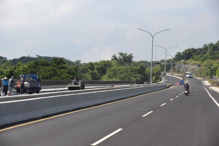 24D縣府-聯大路部分路段幾近完工DSC_0037.JPG