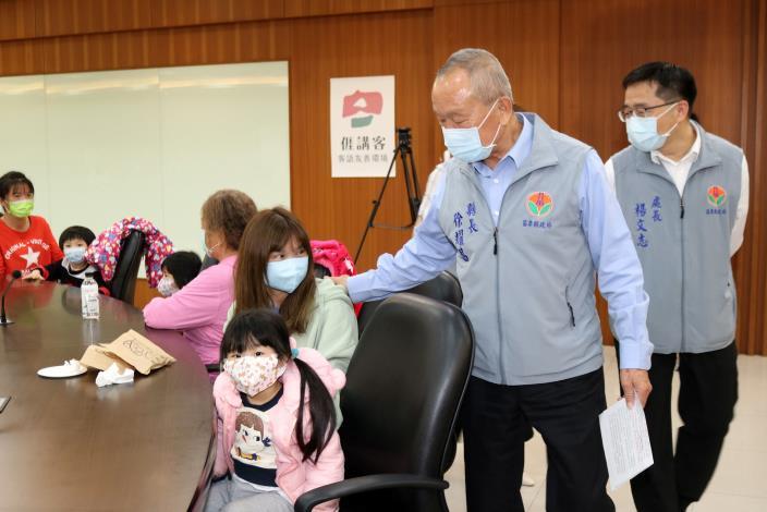 縣長鼓勵參與脫貧方案IMG_4926.JPG