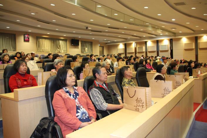 勞動力發展署與縣府舉辦促進產業發展活動