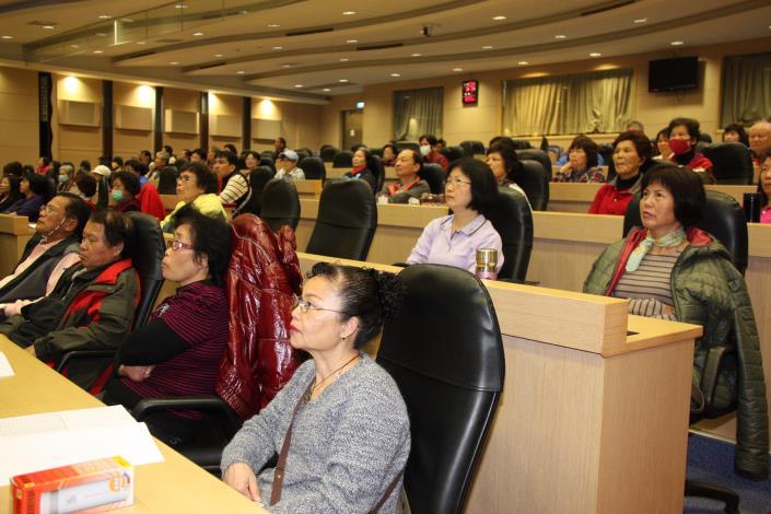 縣府舉辦國中小學導護志工研習活動