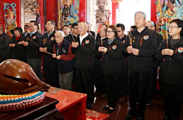 長徐耀昌赴宮廟祈福 呼籲民眾做好防疫