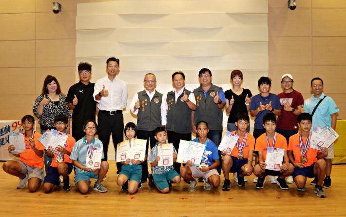 縣長表揚推動體育有功人員及績優選手