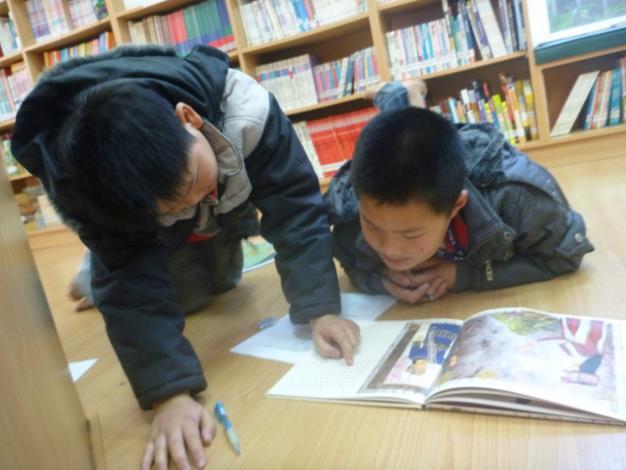 泰安鄉立圖書館為小朋友提供良好的閱讀環境